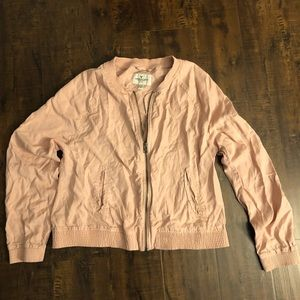 American Eagle Outfitters | pink light jacket